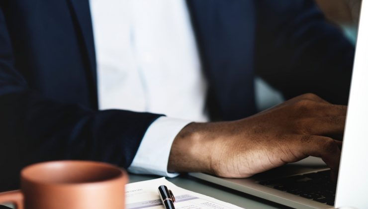 6 Ways to Evaluate Candidates Beyond the Resume